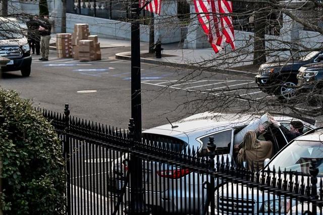 Nhân viên Nhà Trắng gói ghém đồ đạc, chuẩn bị rời đi - 3
