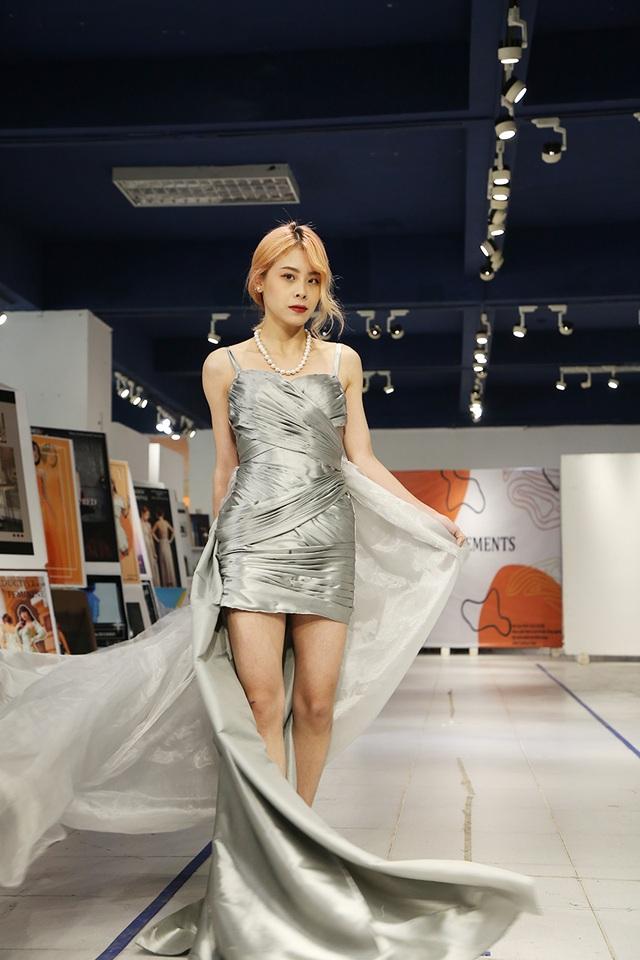 Nam sinh ĐH Kiến trúc mặc váy ngắn, đi catwalk đẹp hơn cả nữ sinh - 8
