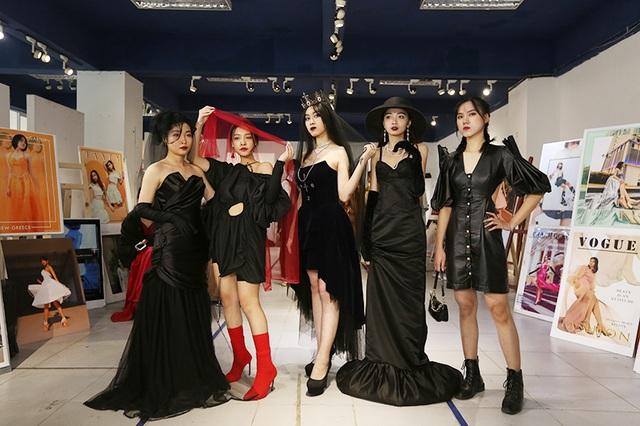 Nam sinh ĐH Kiến trúc mặc váy ngắn, đi catwalk đẹp hơn cả nữ sinh - 11