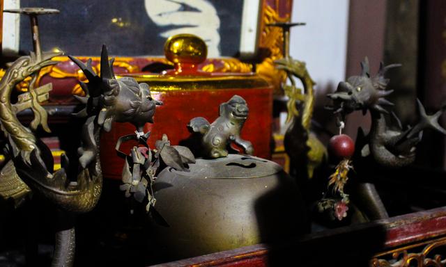 Nhà gỗ trăm tuổi chứa nhiều cổ vật quý của vị quan triều Nguyễn ở Hà Nam - 3