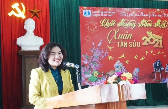 Nghệ An: Thứ trưởng Nguyễn Thị Hà thăm và tặng quà Làng trẻ em SOS Vinh - 1