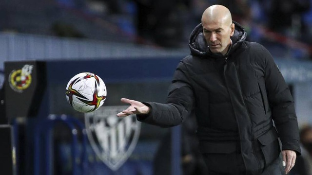 Real Madrid bết bát, HLV Zidane trước nguy cơ lớn bị sa thải - 1