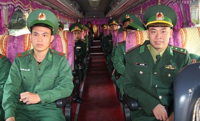 Lính biên phòng tiên phong lên biên giới chống dịch: Xong nhiệm vụ mới về! - 6