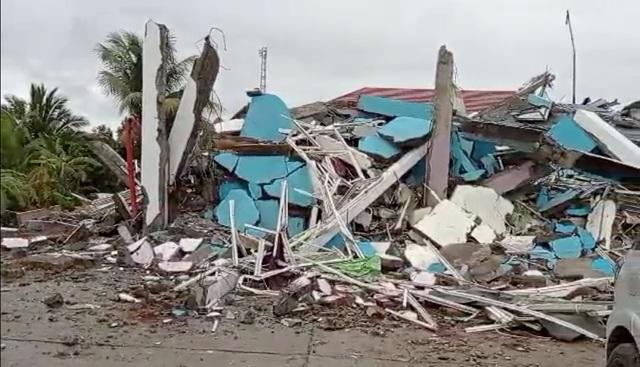 Indonesia tan hoang sau động đất kinh hoàng khiến 67 người chết - 1