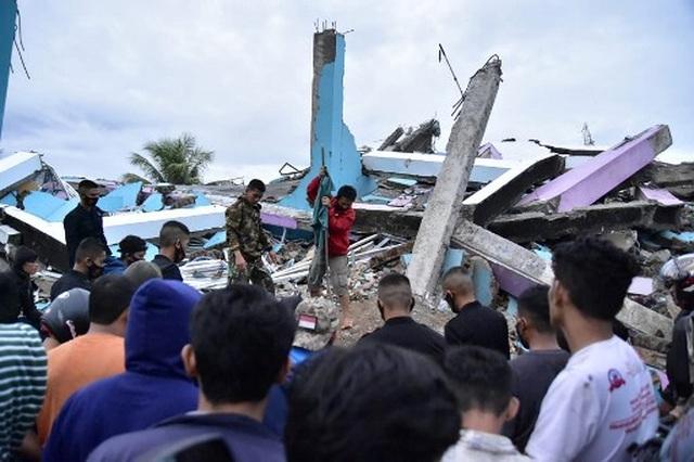 Indonesia tan hoang sau động đất kinh hoàng khiến 67 người chết - 9