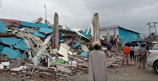 Indonesia tan hoang sau động đất kinh hoàng khiến 67 người chết - 2