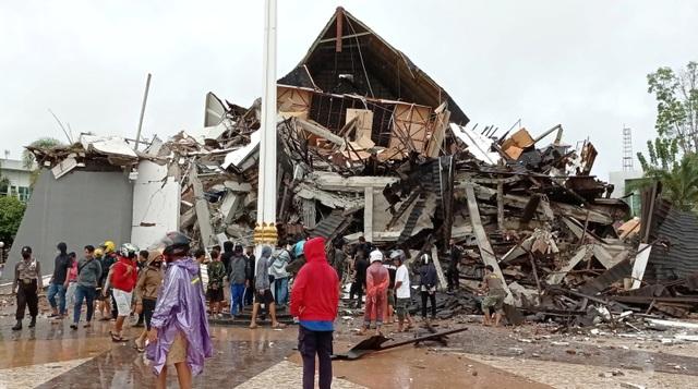 Indonesia tan hoang sau động đất kinh hoàng khiến 67 người chết - 4