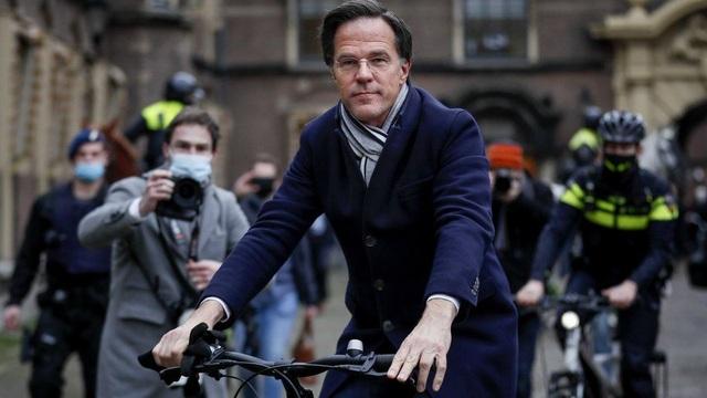 Bê bối khiến chính phủ Hà Lan từ chức đồng loạt - 1
