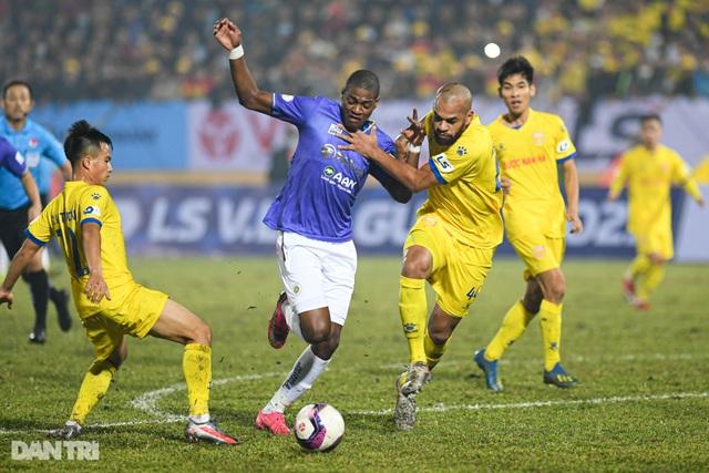 Mùa giải khốc liệt chờ đón CLB Hà Nội sau trận thua đậm Nam Định - 2