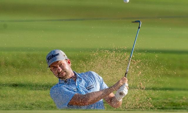 Tay golf gây ấn tượng mạnh sau khi chữa khỏi Covid-19 - 1