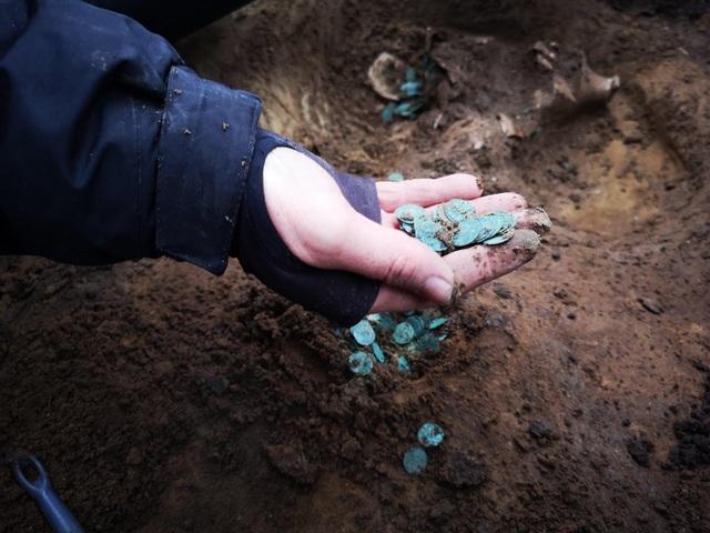 Phát hiện kho tiền vàng cuối thời Trung cổ ở Hungary - 2