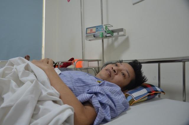 Bác sĩ bệnh viện E kêu gọi giúp đỡ người đàn ông mắc bệnh hiểm - 1