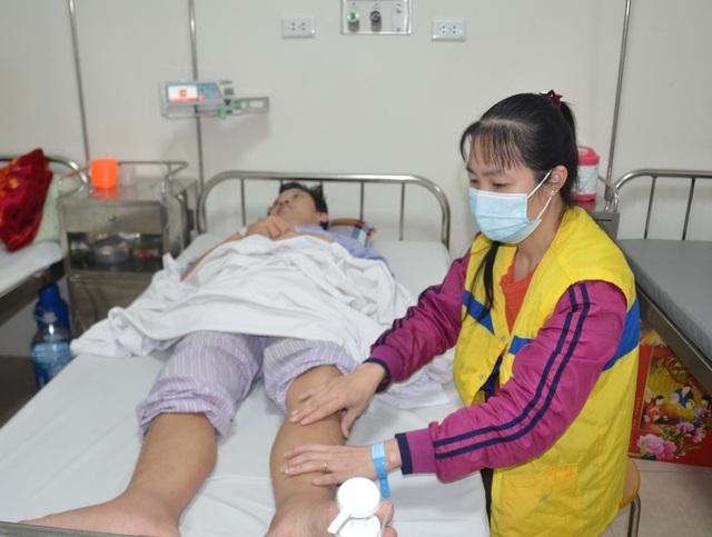 Bác sĩ bệnh viện E kêu gọi giúp đỡ người đàn ông mắc bệnh