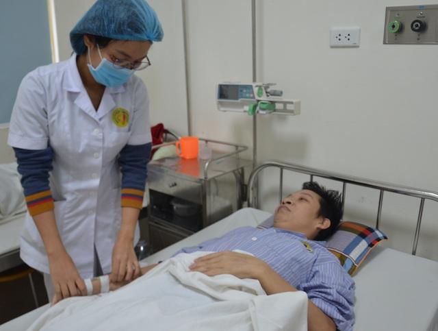 Bác sĩ bệnh viện E kêu gọi giúp đỡ người đàn ông mắc bệnh hiểm - 3