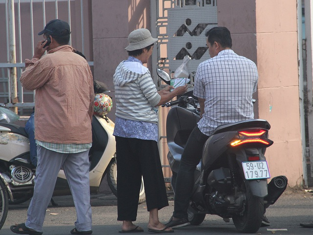Cổ động viên TPHCM lên cơn sốt vé xem Kiatisuk trình làng ở sân Thống Nhất - 6