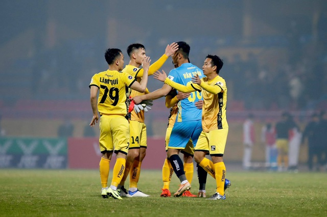 Đương kim vô địch CLB Viettel thua đau trận mở màn V-League 2021 - 2
