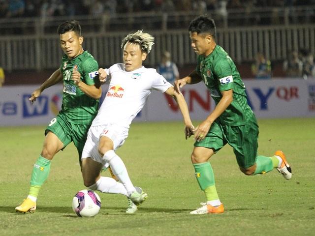 HA Gia Lai thua Sài Gòn FC trong ngày HLV Kiatisuk ra mắt - 4