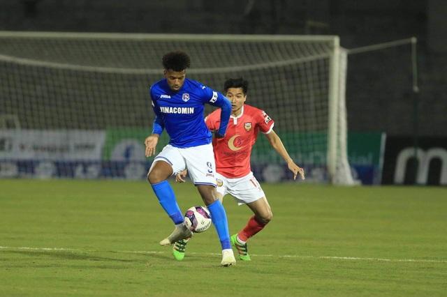 Hai lần đá hỏng phạt đền, HL Hà Tĩnh thua đau trước Than Quảng Ninh - 2