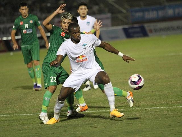 HA Gia Lai thua Sài Gòn FC trong ngày HLV Kiatisuk ra mắt - 3