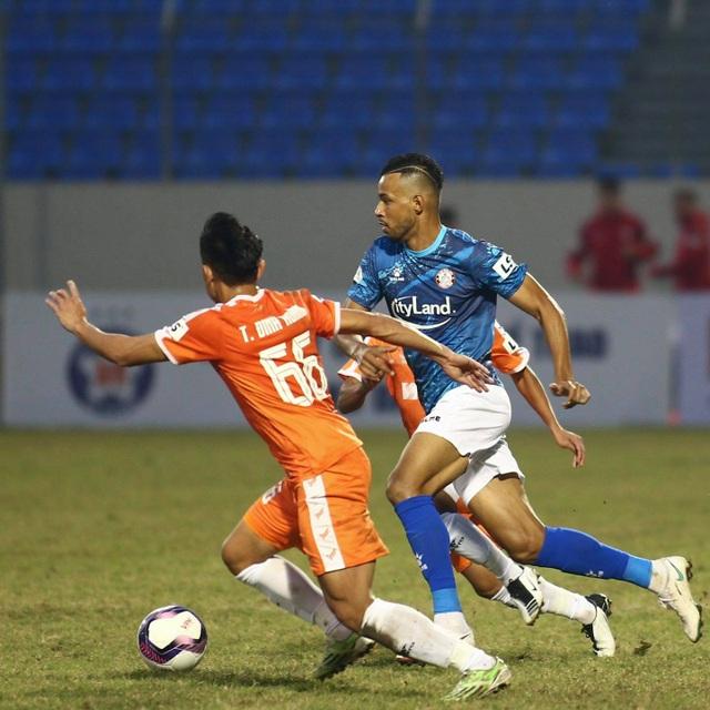 Đức Chinh ghi bàn, SHB Đà Nẵng đánh bại CLB TPHCM - 2