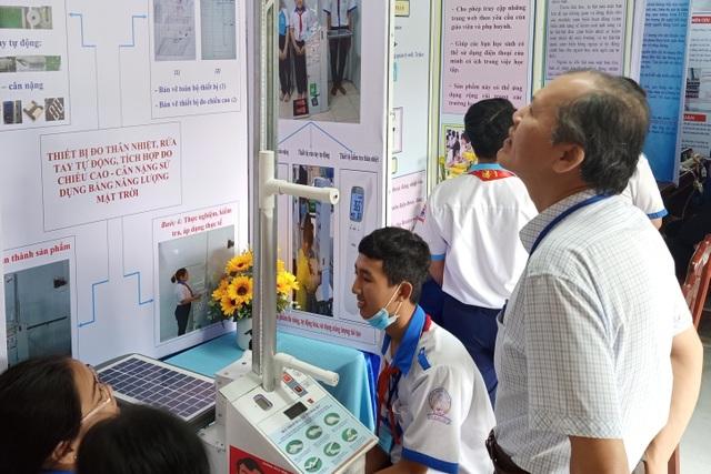 Học sinh sáng tạo sản phẩm phòng, chống dịch bệnh qua mùa Covid-19 - 1