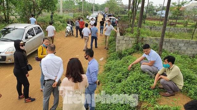 """Loạt khu vực ở Hà Nội """"sốt đất"""": Mua bán chủ yếu giữa các nhà đầu cơ"""