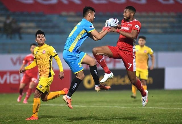 Ngày khai màn thất vọng của các ứng cử viên vô địch V-League - 3