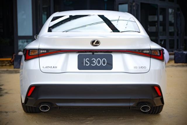 Soi chi tiết mẫu xe IS 300 2021 giá từ 2,13 tỉ đồng vừa được Lexus ra mắt - 5