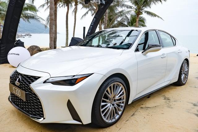 Soi chi tiết mẫu xe IS 300 2021 giá từ 2,13 tỉ đồng vừa được Lexus ra mắt - 2