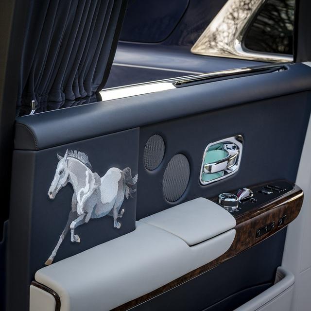 Sáng tạo Bespoke: Khi khách hàng chịu chi và Rolls-Royce chịu chơi - 5