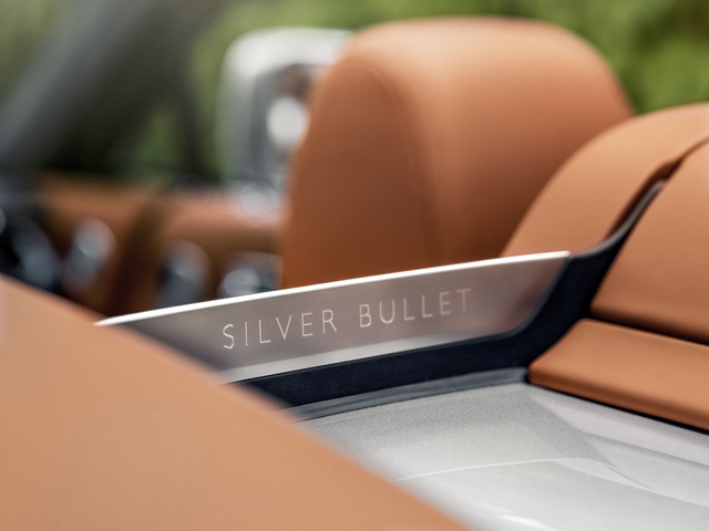 Sáng tạo Bespoke: Khi khách hàng chịu chi và Rolls-Royce chịu chơi - 14