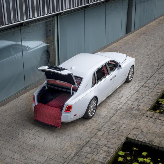 Sáng tạo Bespoke: Khi khách hàng chịu chi và Rolls-Royce chịu chơi - 17