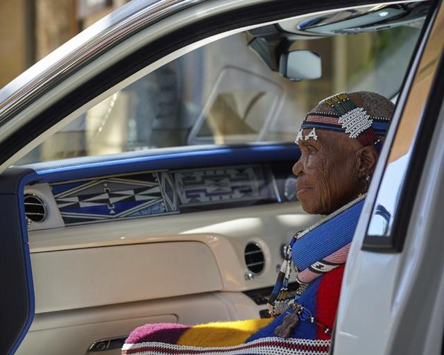 Sáng tạo Bespoke: Khi khách hàng chịu chi và Rolls-Royce chịu chơi - 12