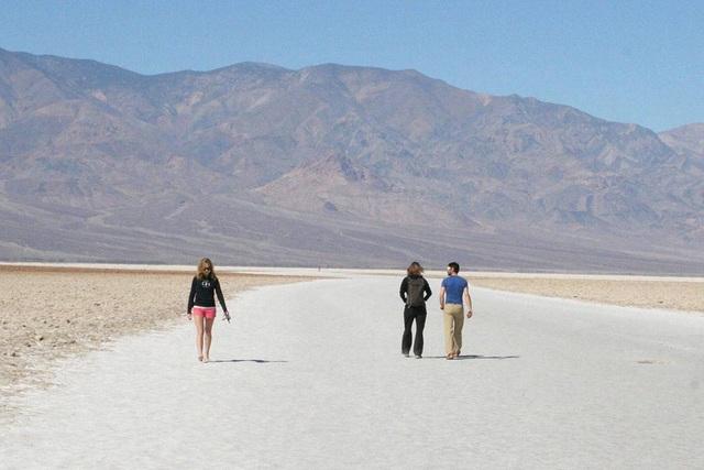 Cuộc sống ở nơi nóng nhất hành tinh, ra ngoài như bước vào lò nướng - 9