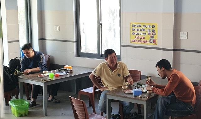 Bí mật quán bánh cuốn ở Bình Định, bà chủ bán vèo cả nghìn cái/ ngày - 5