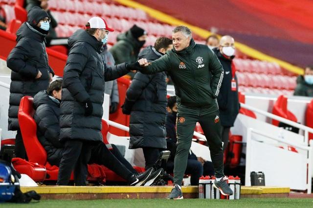 Fernandes phung phí cơ hội vàng, Man Utd chia điểm trên sân Liverpool - 3