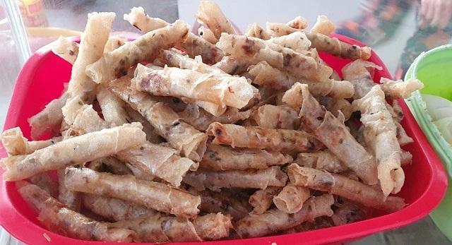 Bí mật quán bánh cuốn ở Bình Định, bà chủ bán vèo cả nghìn cái/ ngày - 3