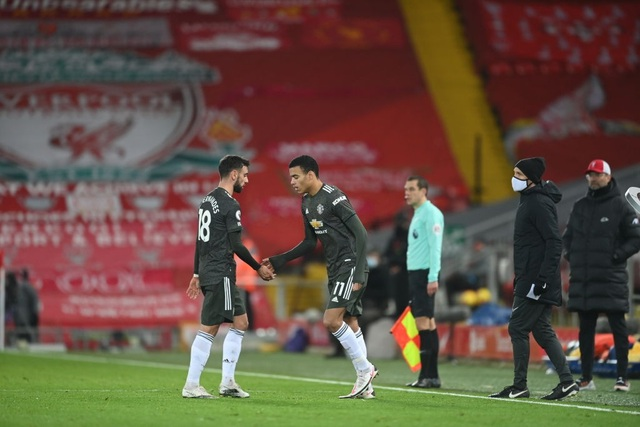 Fernandes phung phí cơ hội vàng, Man Utd chia điểm trên sân Liverpool - 16