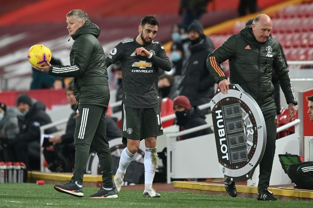 Fernandes phung phí cơ hội vàng, Man Utd chia điểm trên sân Liverpool - 17