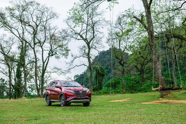 Toyota Rush bứt phá doanh số tháng cuối năm 2020 - 1
