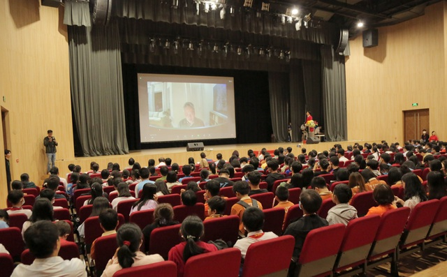 Học sinh hỏi GS Ngô Bảo Châu: Muốn làm lãnh đạo, có cần học giỏi Toán? - 2