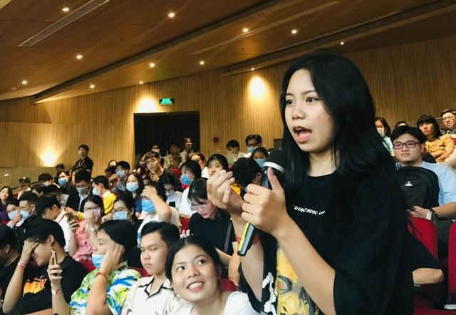 Học sinh hỏi GS Ngô Bảo Châu: Muốn làm lãnh đạo, có cần học giỏi Toán? - 1