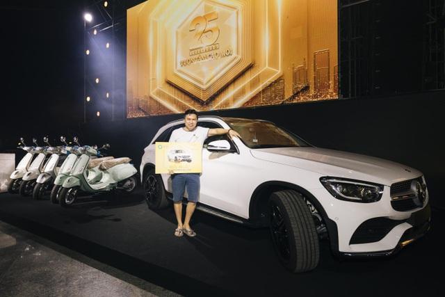 Trúng thưởng Mercedes, Honda CRV trong sự kiện 25 năm thành lập Van Phuc Group - 3