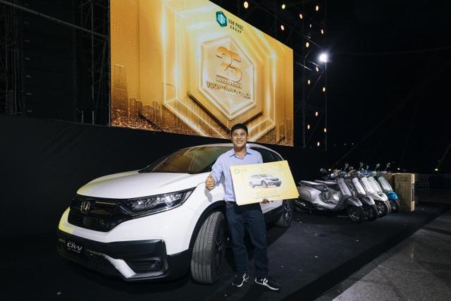 Trúng thưởng Mercedes, Honda CRV trong sự kiện 25 năm thành lập Van Phuc Group - 4