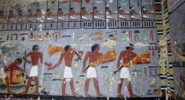 Phát hiện 50 quan tài ở Ai Cập với những ký tự bí ẩn - 1