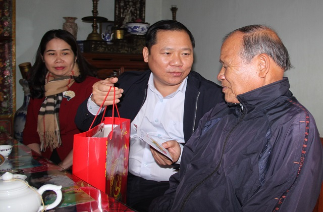 Chủ tịch UBND tỉnh Bình Định: Không để ai bị bỏ lại phía sau... - 1