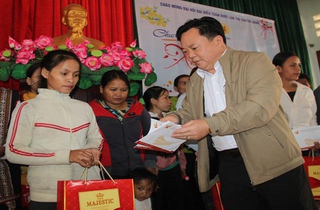 Chủ tịch UBND tỉnh Bình Định: Không để ai bị bỏ lại phía sau... - 3