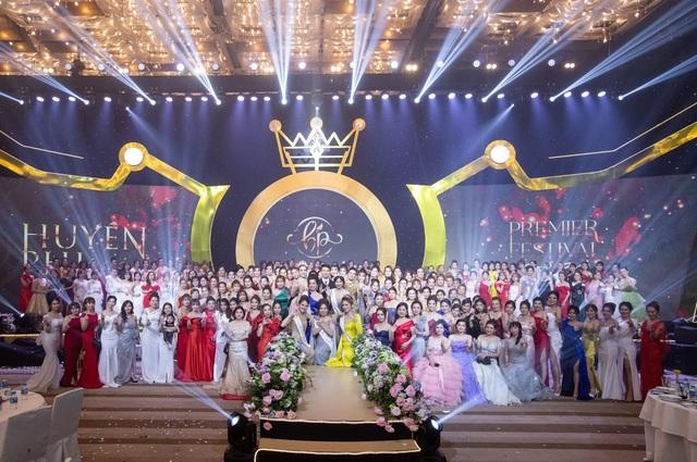 Những khoảnh khắc ấn tượng trong Đêm tiệc Nữ Vương của Huyền Phi Award - 4