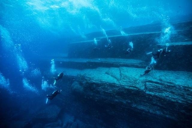 Kim tự tháp khổng lồ dưới đáy biển Bồ Đào Nha: Hải quân xuống điều tra - 1