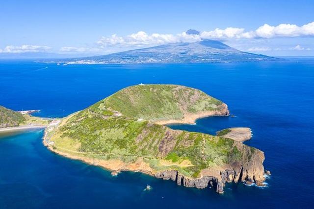 Kim tự tháp khổng lồ dưới đáy biển Bồ Đào Nha: Hải quân xuống điều tra - 2